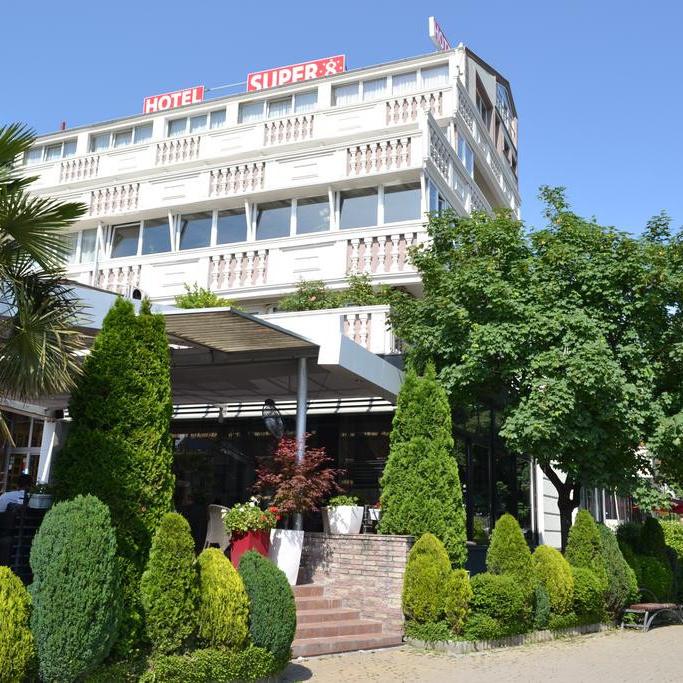 Hotel Super 8 4* - Skopje